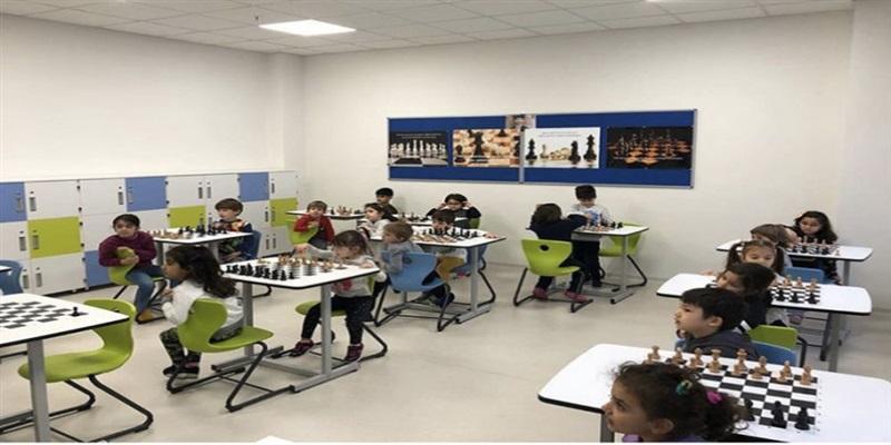 Satranç Dersimiz Keyifli Bir Şekilde Devam Ediyor