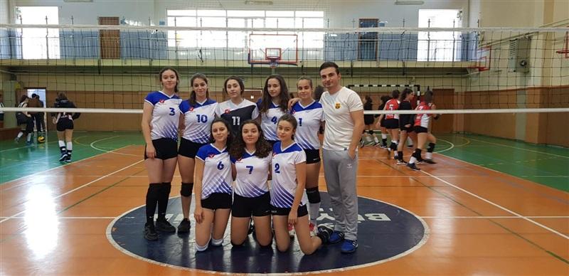 Genç Kızlar Voleybol Takımımız Bu Senede Adını İlk 3'e Yazdırdı